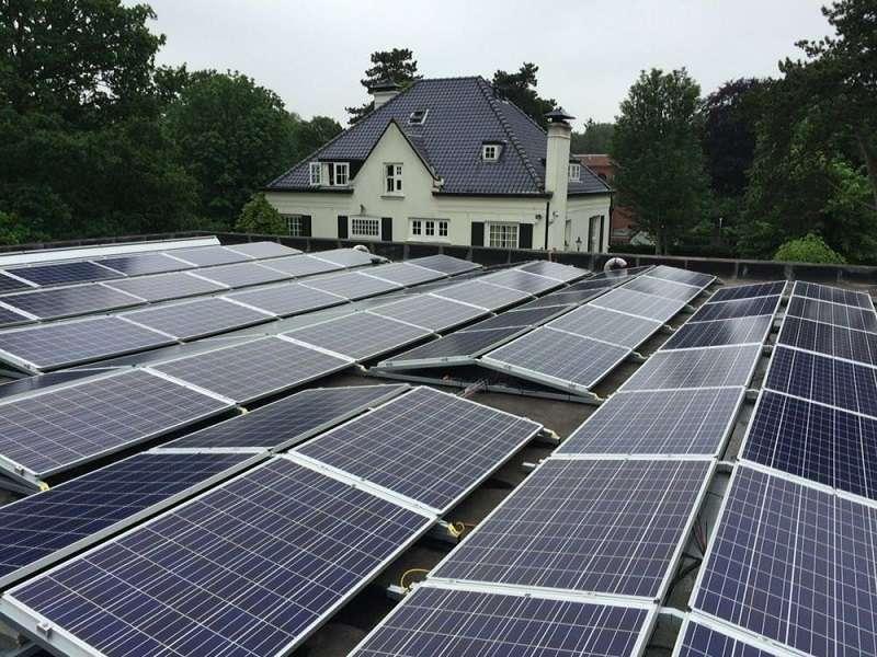 Met zonnepanelen naar energieneutraal