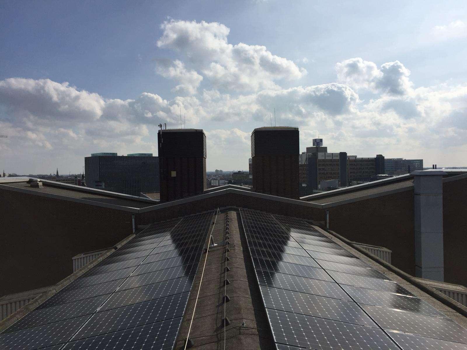 Zonnepanelen voor Universiteit Leiden